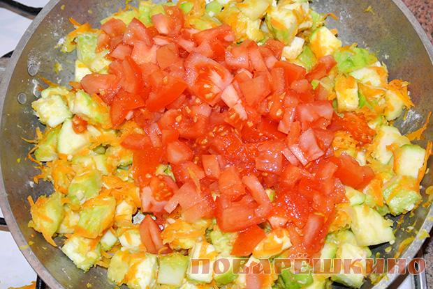 Кабачки под сырным соусом с чесноком