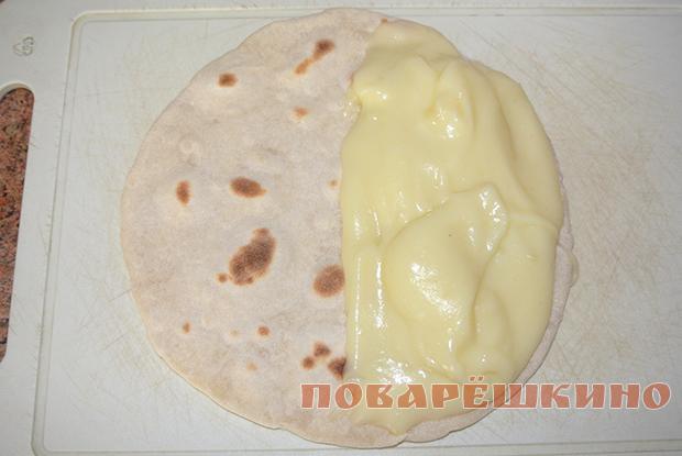 Кыстыбый с картофелем по-татарски