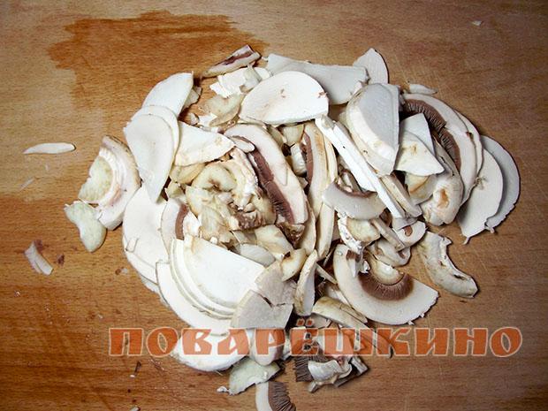Блинчики с говяжьим фаршем и грибами