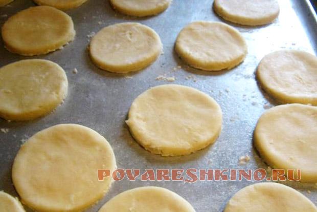 Рассыпчатое хрустящее сырное печенье