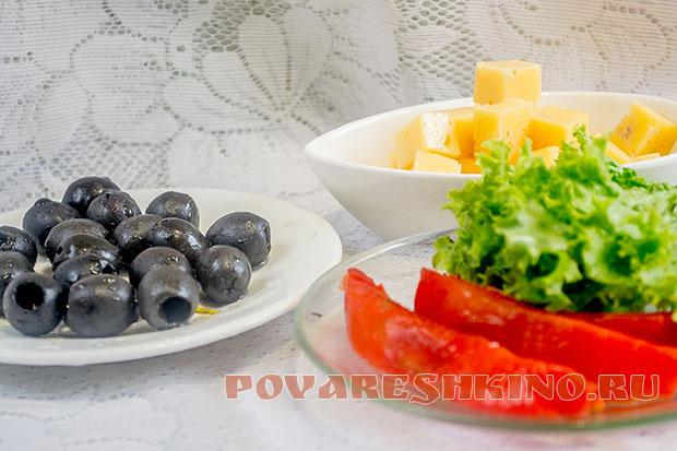 Праздничная закуска на шпажках