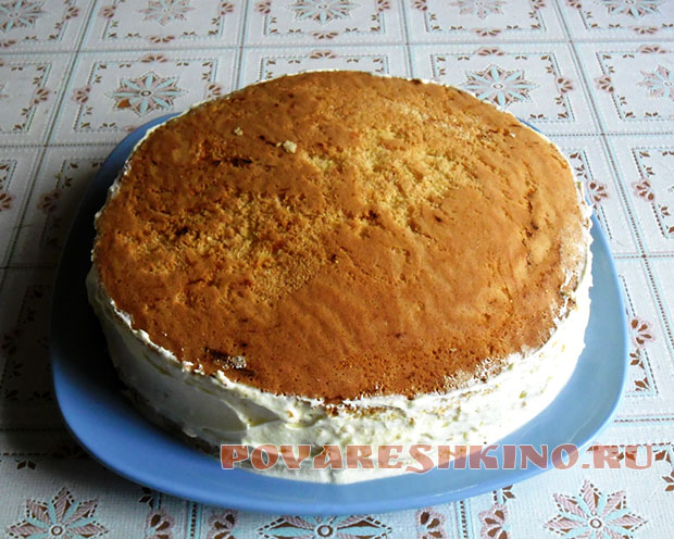 Бисквитный торт Нежность с шоколадной глазурью