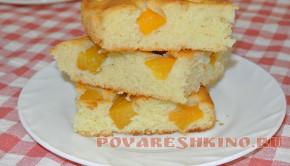 Пирог с консервированными абрикосами