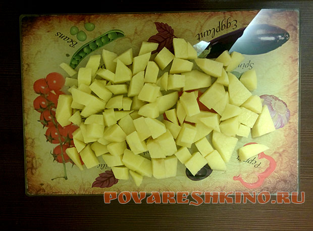 Картошка с курицей по-домашнему в горшочках