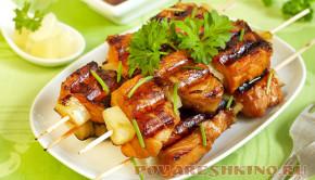Шашлык из рыбы на мангале: форель и семга