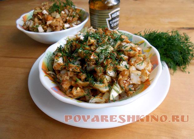 Простой салат из белокочанной капусты