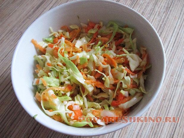 Салат из свежей капусты и моркови – очень простой рецепт!