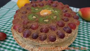 Торт из готовых бисквитных коржей с фруктами и сметанным кремом